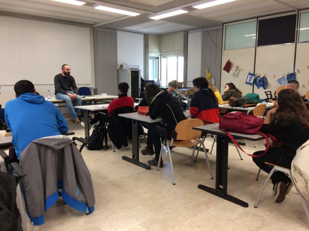 Seminario di scrittura per il reportage con Alessandro Chiappanuvoli